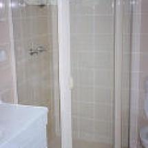 bathro11